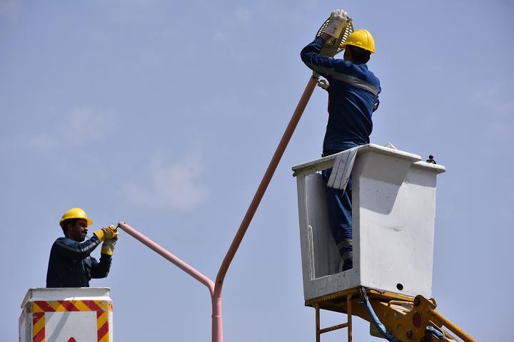 تعویض 1700 دستگاه چراغ پرمصرف در مهاجران